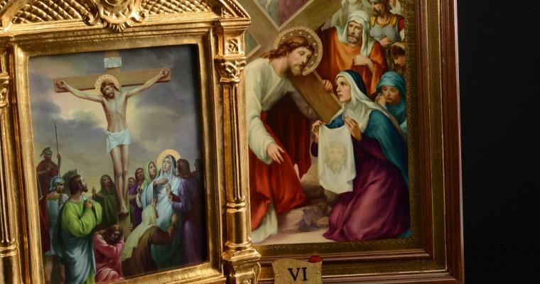 Gedenken an die schmerzliche Reise Christi durch das Kreuz