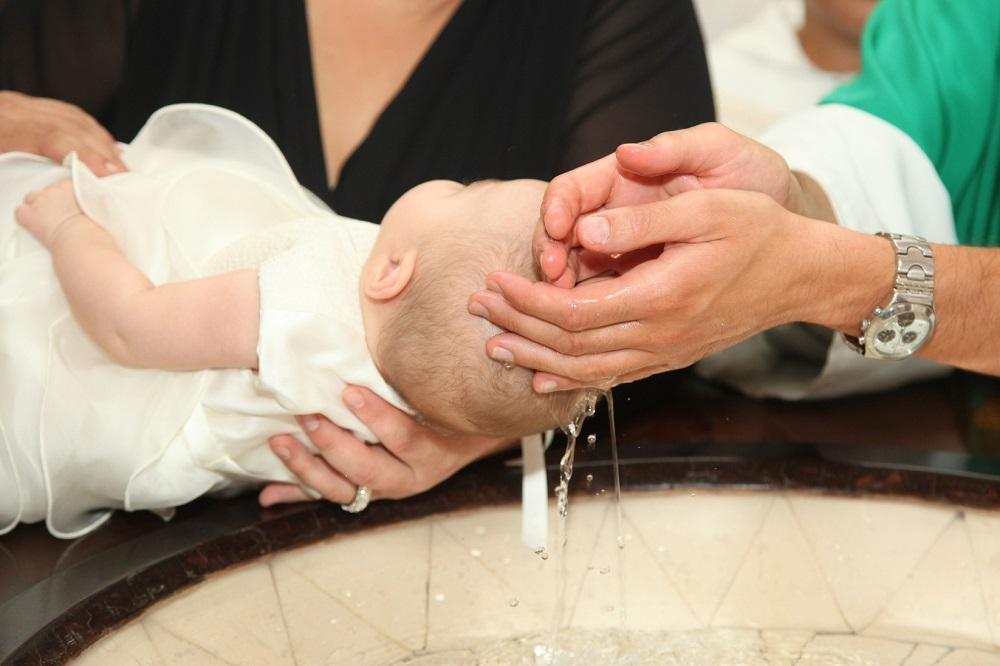 Die Taufe Bedeutung Symbole Und Organisation Holyblogde